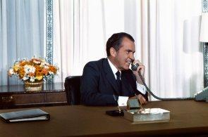 NixonPhone