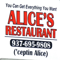 "Arlo Guthrie's ""Alice's Restaurant"": the story behind the Thanksgiving staple - Vox"